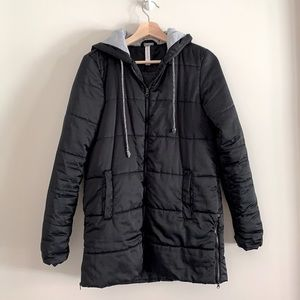 Fabletics black puffer coat with good size XS